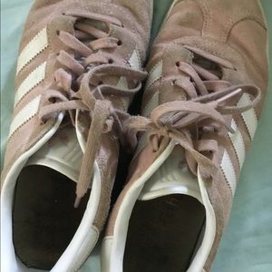 Pink suede youth 5 adidas shoes